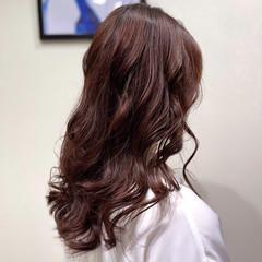 レイヤースタイル レイヤーカット ロング ラベンダーアッシュ ヘアスタイルや髪型の写真・画像