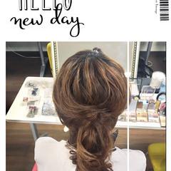 編み込み デート ミディアム フェミニン ヘアスタイルや髪型の写真・画像