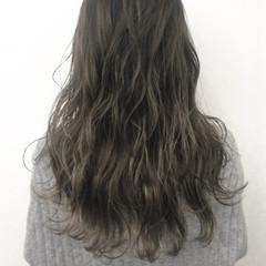 透明感 アッシュ グレーアッシュ グレー ヘアスタイルや髪型の写真・画像
