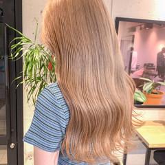 ベージュ ホワイトベージュ ハイトーンカラー ナチュラル ヘアスタイルや髪型の写真・画像