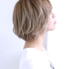 外国人風 ボブ グラデーションカラー アッシュ ヘアスタイルや髪型の写真・画像