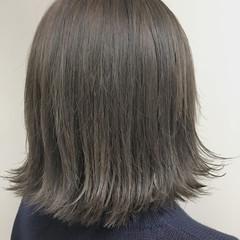 デート 抜け感 ウェットヘア 切りっぱなし ヘアスタイルや髪型の写真・画像