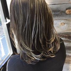 ナチュラル 暗髪 ブルージュ グレージュ ヘアスタイルや髪型の写真・画像