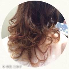 コンサバ アッシュグラデーション グラデーションカラー メッシュ ヘアスタイルや髪型の写真・画像