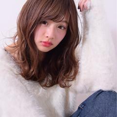 艶髪 セミロング ガーリー フェミニン ヘアスタイルや髪型の写真・画像
