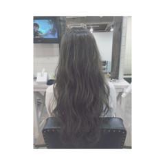 ロング フェミニン ナチュラル 暗髪 ヘアスタイルや髪型の写真・画像