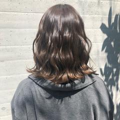ミルクティーベージュ グラデーション グラデーションカラー ミディアム ヘアスタイルや髪型の写真・画像