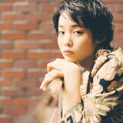ショート リラックス 小顔 ナチュラル ヘアスタイルや髪型の写真・画像