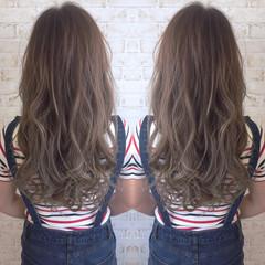グラデーションカラー グレージュ 外国人風 アッシュ ヘアスタイルや髪型の写真・画像