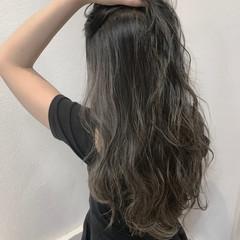 グレージュ ハイライト 上品 透明感 ヘアスタイルや髪型の写真・画像