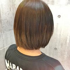 切りっぱなし ボブ ストリート グラデーションカラー ヘアスタイルや髪型の写真・画像