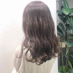 ミルクティーブラウン ロング ナチュラル ブラウンベージュ ヘアスタイルや髪型の写真・画像