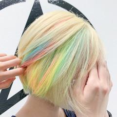ショート ブリーチ ホワイトブリーチ ストリート ヘアスタイルや髪型の写真・画像