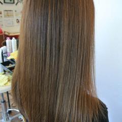透明感 マット スモーキーアッシュ ストリート ヘアスタイルや髪型の写真・画像
