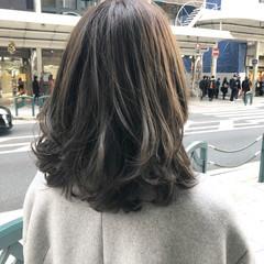 アッシュ ナチュラル ミディアム 外国人風カラー ヘアスタイルや髪型の写真・画像