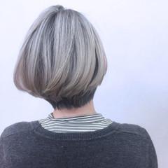 アッシュ グレージュ ガーリー ショートボブ ヘアスタイルや髪型の写真・画像