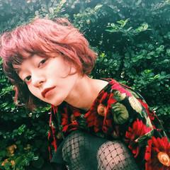 ベリーピンク 色気 パーマ ボブ ヘアスタイルや髪型の写真・画像