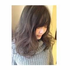 セミロング 暗髪 グレー 透明感 ヘアスタイルや髪型の写真・画像
