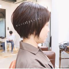 ショートボブ ショート オフィス アッシュ ヘアスタイルや髪型の写真・画像