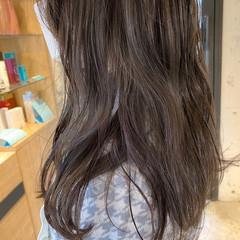 ラベンダーグレージュ アッシュグレージュ 暗髪 ミディアム ヘアスタイルや髪型の写真・画像