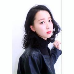 小顔 大人女子 暗髪 ミディアム ヘアスタイルや髪型の写真・画像