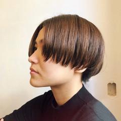 マッシュ センターパート モード オフィス ヘアスタイルや髪型の写真・画像