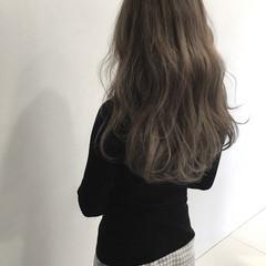 アッシュ アッシュグレージュ 外国人風 コンサバ ヘアスタイルや髪型の写真・画像