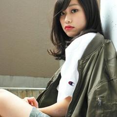 黒髪 外国人風 パーマ セミロング ヘアスタイルや髪型の写真・画像