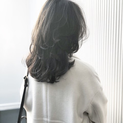 透明感 ナチュラル セミロング グレージュ ヘアスタイルや髪型の写真・画像