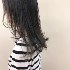 ハイライト セミロング ナチュラル インナーカラー ヘアスタイルや髪型の写真・画像