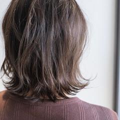 切りっぱなしボブ アッシュグレージュ ボブ ナチュラル ヘアスタイルや髪型の写真・画像