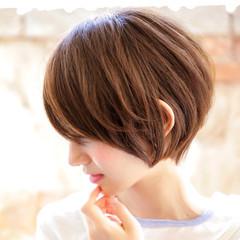ショートヘア ナチュラル ミニボブ ベリーショート ヘアスタイルや髪型の写真・画像