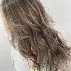 ブリーチカラー 大人ハイライト ハイライト ロング ヘアスタイルや髪型の写真・画像