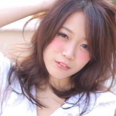 レイヤーカット ハイライト ガーリー 大人かわいい ヘアスタイルや髪型の写真・画像