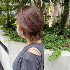 ひし形シルエット ブリーチ ミディアムレイヤー ミディアム ヘアスタイルや髪型の写真・画像