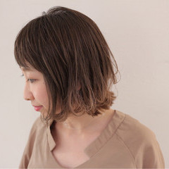リラックス ボブ グラデーションカラー 秋 ヘアスタイルや髪型の写真・画像