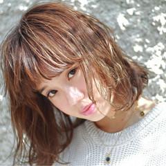 ストリート 外国人風 大人かわいい くせ毛風 ヘアスタイルや髪型の写真・画像