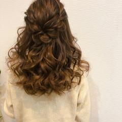 ねじり 結婚式 ハーフアップ ヘアアレンジ ヘアスタイルや髪型の写真・画像