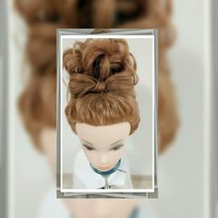セミロング シニヨン ゆるふわ お団子 ヘアスタイルや髪型の写真・画像