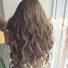 ロング イルミナカラー ナチュラル 透明感カラー ヘアスタイルや髪型の写真・画像