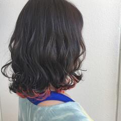 エアリー ウェーブ ミディアム ストリート ヘアスタイルや髪型の写真・画像