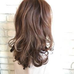 ロング ガーリー ゆるふわ 透明感 ヘアスタイルや髪型の写真・画像