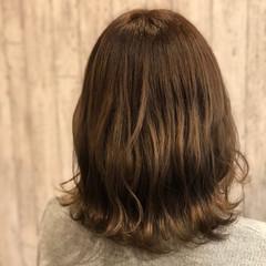 外ハネ 大人かわいい ミディアム フェミニン ヘアスタイルや髪型の写真・画像