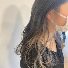 ナチュラル ホワイトベージュ インナーカラー 透明感カラー ヘアスタイルや髪型の写真・画像