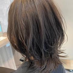 ミディアム ニュアンスウルフ ウルフ アッシュグレージュ ヘアスタイルや髪型の写真・画像