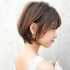 デジタルパーマ レイヤーカット ナチュラル ショートボブ ヘアスタイルや髪型の写真・画像