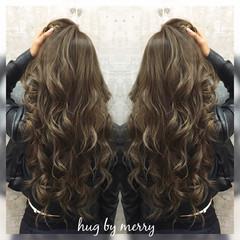 アッシュ 外国人風 暗髪 ガーリー ヘアスタイルや髪型の写真・画像