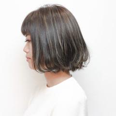 暗髪 ストリート グラデーションカラー ブリーチ ヘアスタイルや髪型の写真・画像