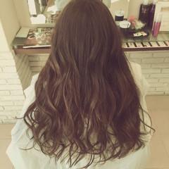 ロング 巻き髪 大人かわいい ナチュラル ヘアスタイルや髪型の写真・画像