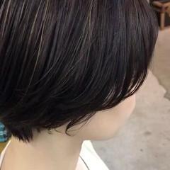 横顔美人 ハイライト コンサバ ショート ヘアスタイルや髪型の写真・画像